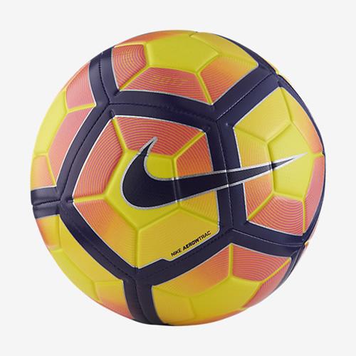 耐克Strike足球高清图片