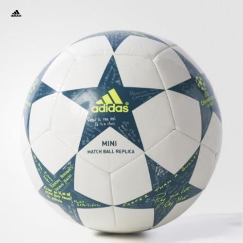 阿迪达斯AP0380足球