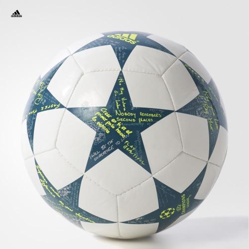 阿迪达斯AP0380足球高清图片