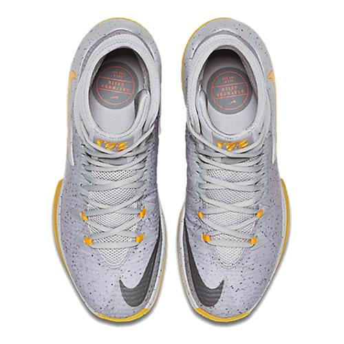 耐克Zoom Clear Out PEEP篮球鞋图1高清图片