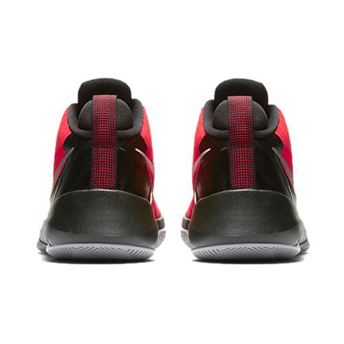 耐克Air Versatile篮球鞋图2高清图片