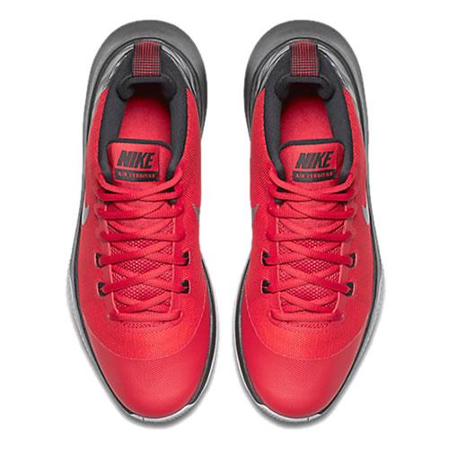 耐克Air Versatile篮球鞋图1高清图片