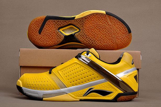 李宁HERO羽毛球鞋 最适合林丹的定制鞋