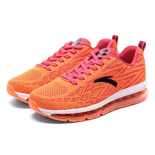 安踏全掌气垫女子跑步鞋图1高清图片