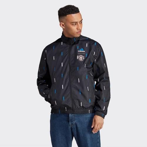 阿迪达斯曼联天然红男子短袖足球服图2高清图片