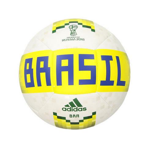 阿迪达斯巴西球迷纪念足球高清图片