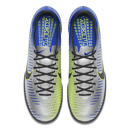 耐克921517男子足球鞋图1高清图片