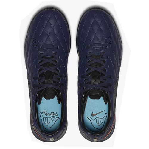 耐克AQ3822男子足球鞋图2高清图片