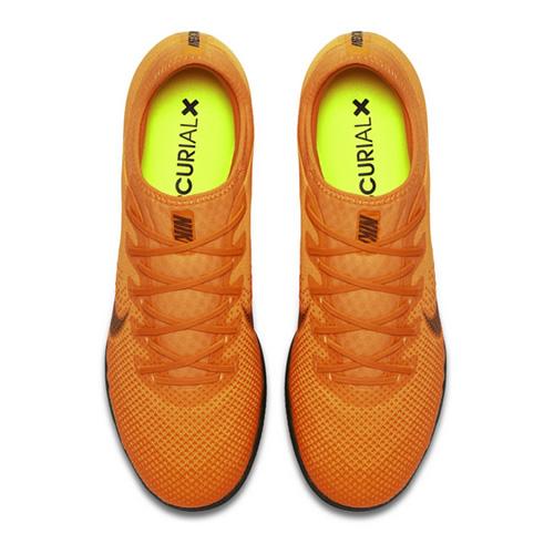 耐克AH7387男子足球鞋图2高清图片