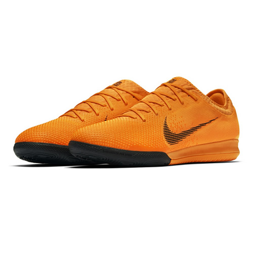 耐克AH7387男子足球鞋图1高清图片