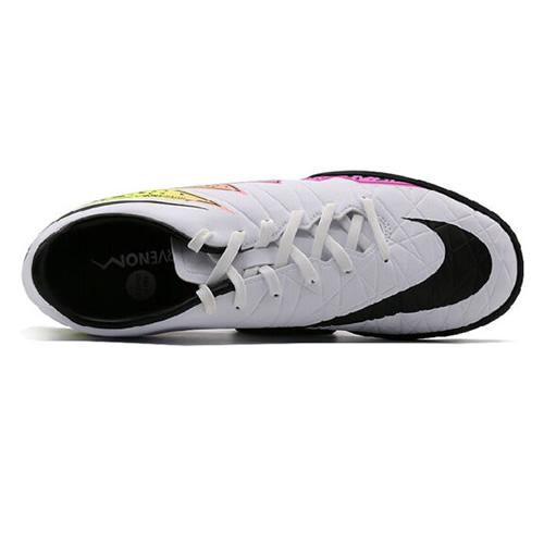 耐克749899男子足球鞋图1高清图片