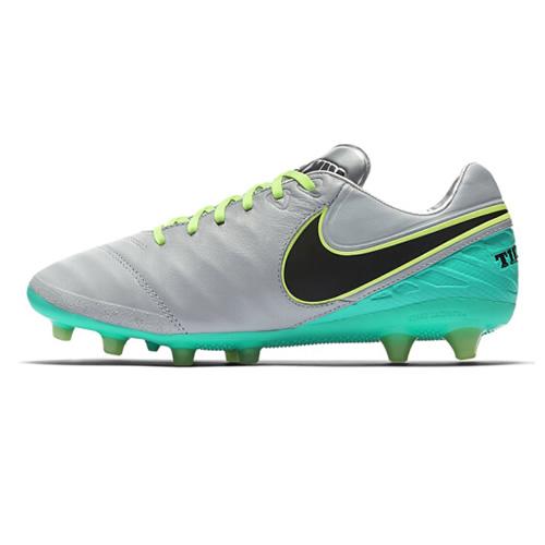 耐克844397男子足球鞋