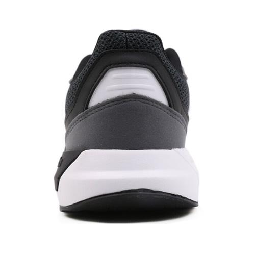 阿迪达斯BB7435男女跑步鞋图3高清图片
