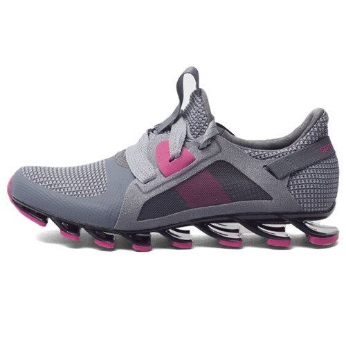 阿迪达斯AQ5679女子跑步鞋