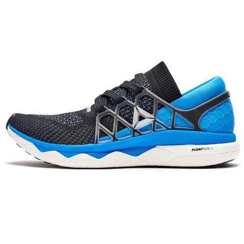 锐步BS7209男子跑步鞋