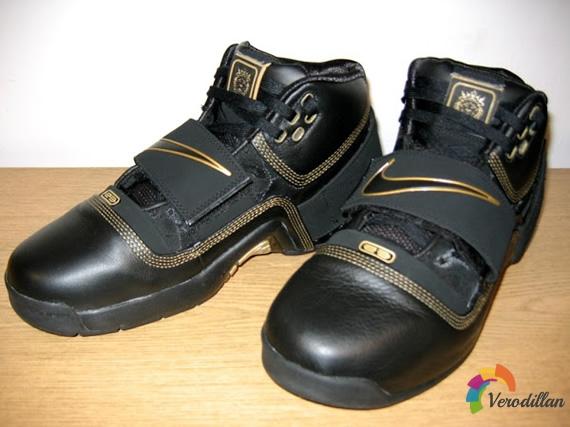 耐克LeBron Soldier 1篮球鞋实战测评