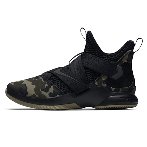 耐克AO4055 LEBRON SOLDIER XII SFG EP篮球鞋图1高清图片