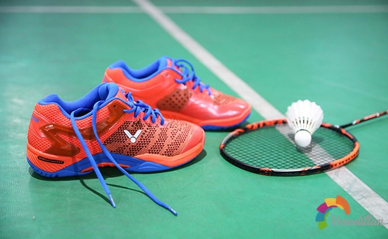 轻量化顶级羽毛球鞋-胜利S81[上脚测评]图2