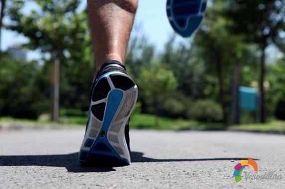 革命跑鞋-Nike LUNARGLIDE 4跑鞋深度测评图3