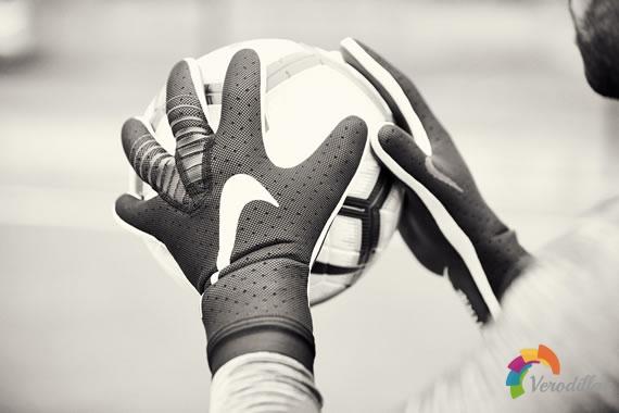 耐克Mercurial Touch Elite守门员手套设计解读图2