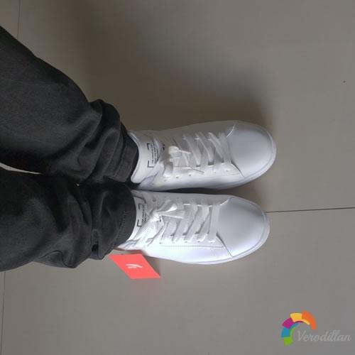 安踏92818000X潮流情侣板鞋试用测评