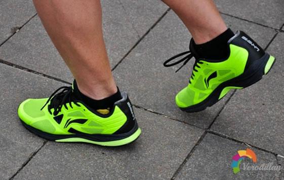 李宁双渡跑鞋路跑测评及优缺点分析