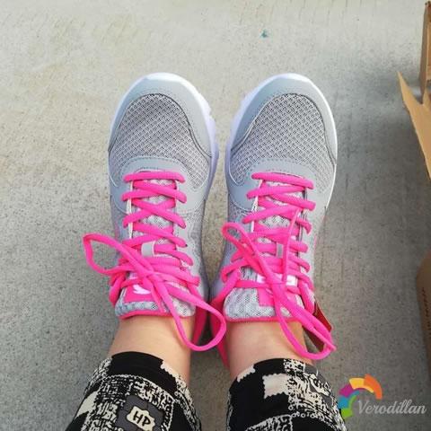 安踏92625507女子网面跑步鞋试用测评图3