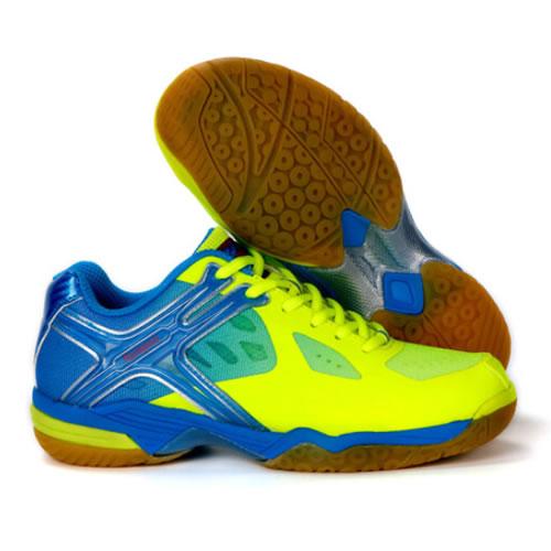 时尚动感-薰风KH-169羽毛球鞋细节简析