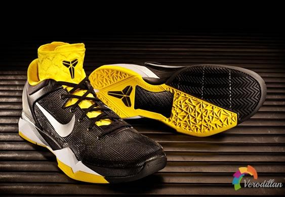 以速度超越:Nike Kobe VII System Supreme发售简评