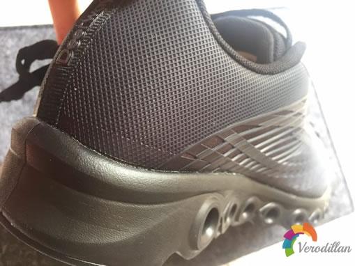 德尔惠24613655减震跑鞋试用评测图2