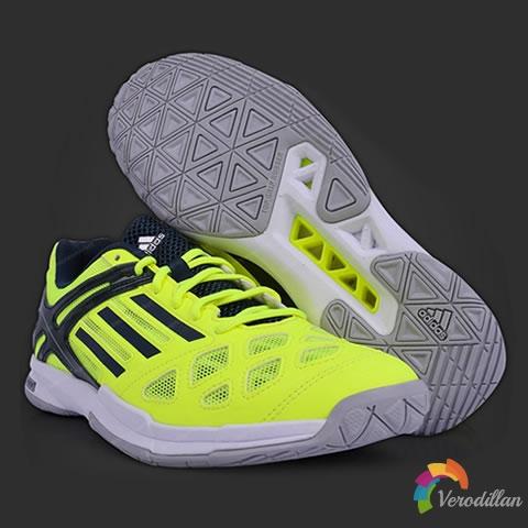 [细节解读]轻量透气-阿迪达斯B22956羽毛球鞋