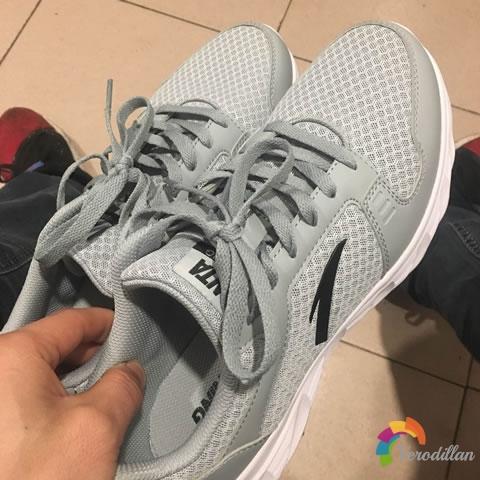 试穿测评:安踏91815528男子跑鞋试用体验