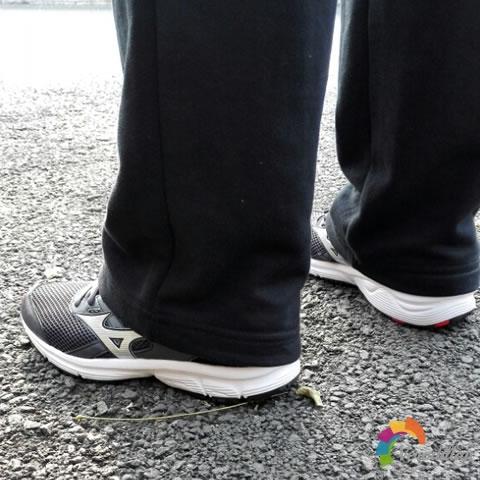 试穿测评:美津浓K1GA160305 SPARK跑鞋试用体验图2