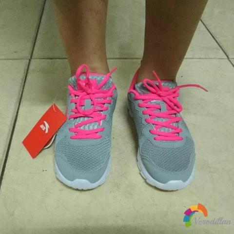 试穿测评:安踏92625507女子跑鞋试用体验图2