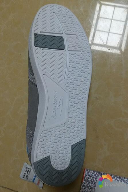 试穿测评:德尔惠T1513897板鞋试用体验图2