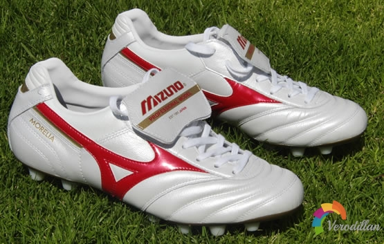 [谍照]新款Mizuno Morelia足球鞋发布解读