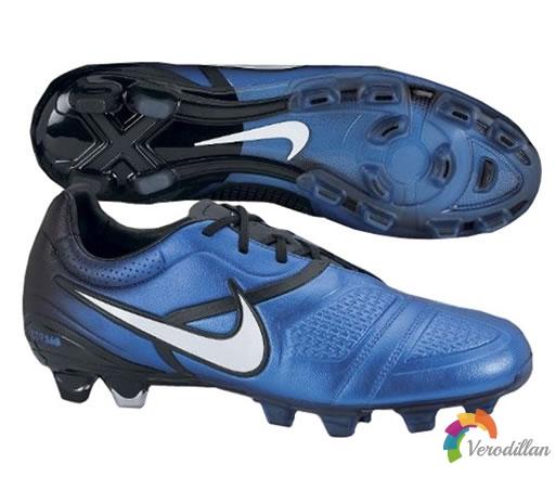 色彩混合式设计:Nike CTR360 Maestri新配色发布解读