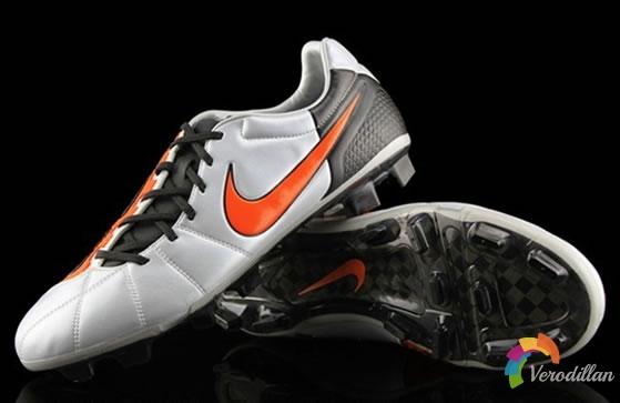 精英系列:解读Nike T90 Laser Elite新配色足球鞋