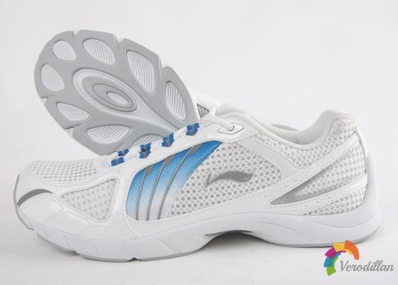 出色舒适性:李宁翔羽跑鞋综合测评