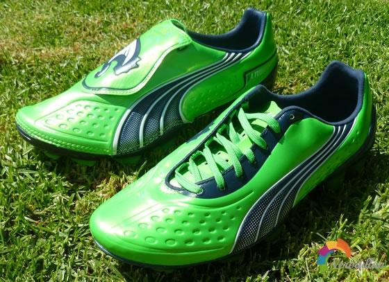 速度型战靴:解读PUMA V1.11 SL足球鞋