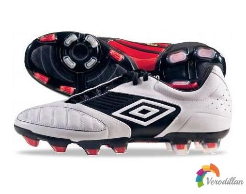 控制型足球鞋:Umbro Geometro Pro发布简评