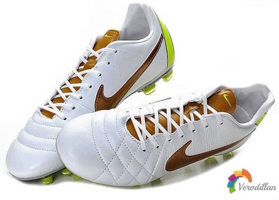 精英版战靴:Nike Tiempo Legend IV(白金黄配色)怎么样