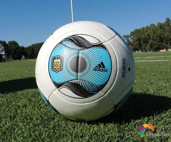 阿迪达斯推出阿根廷联赛2013新款比赛用球TAFUGO