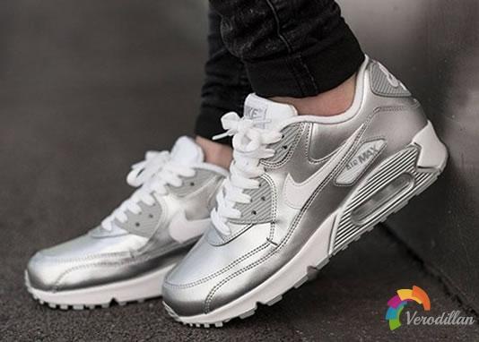 耐克推出Nike Air Max 90金属银配色