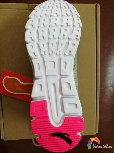 动态测评:安踏92625507女子跑鞋入手体验图2
