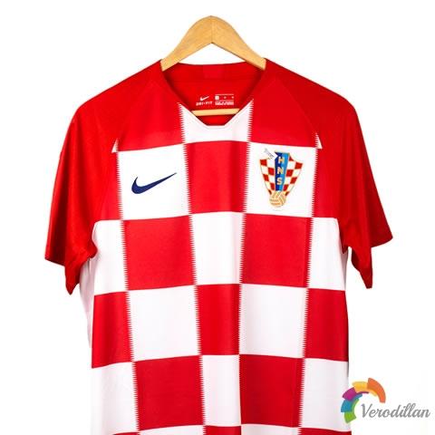 耐克推出克罗地亚国家队2018主场球衣球迷版