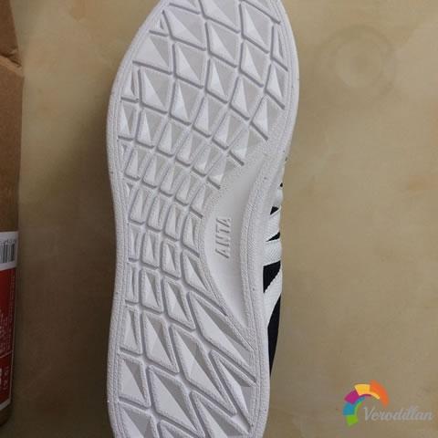 网友使用测评:安踏91528014低帮板鞋图2