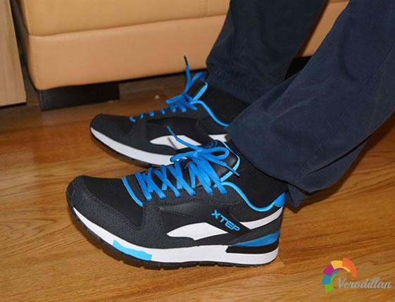 特步984319119583复古男跑鞋试用测评