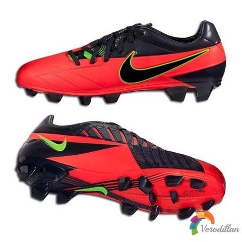全新流线型鞋型:耐克T90 LASER IV ACC足球战靴