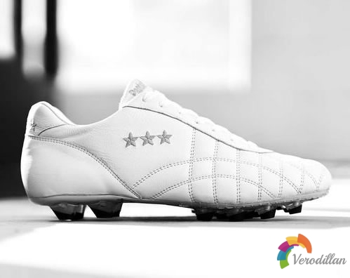 Pantofola dOro Del Duca足球鞋,古典美的奢华战靴图1